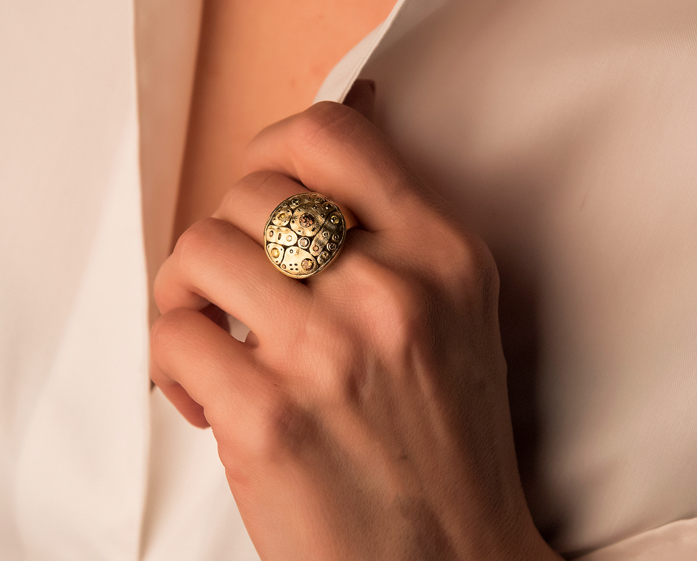 Alex Sepkus 18K and Natural Color Diamond Early Spring Ring